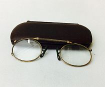 Pince-nez with case