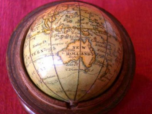 NEWTON 1 1/2 INCH POCKET GLOBE